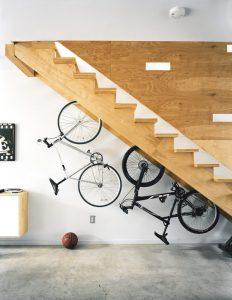 Ideia Decorar Como aproveitar o espaço debaixo da escada storage ideas under stairs in hallway7