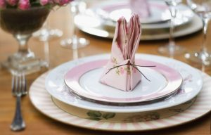 Ideia Decorar Um toque especial para a páscoa: guardanapos em formato de coelho Guardanapo coelho 8