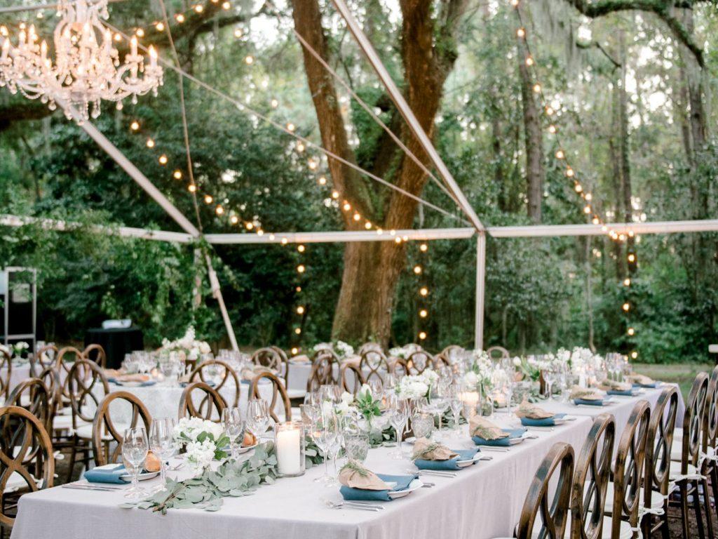 Luzes de led ou incandescentes para casamento